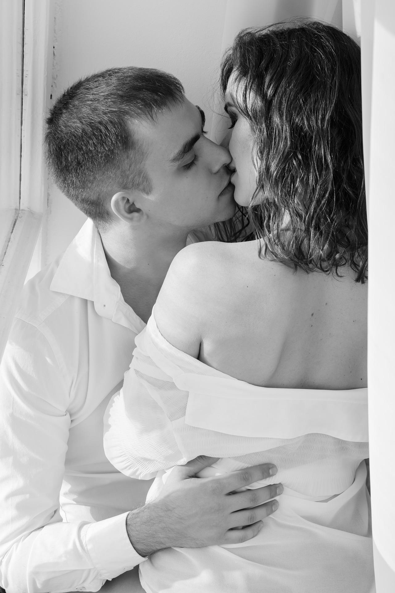 kiss-1858088_1920